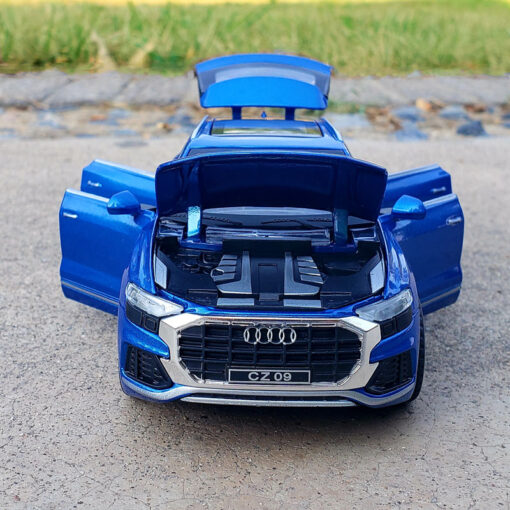 1 32 Scale Alloy Diecast Luxury SUV Car Model For Audi Q8 Collection Model Pull Back