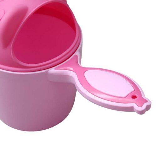 1PC Cute Cartoon Shampoo cup Baby Spoon Shower Bath Water Swimming Head Watering Bottle Todder Kids 2