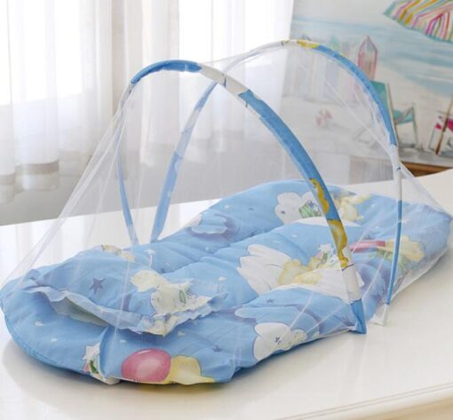 Baby Nest Bed Portable Crib Breathable Folding Newborns Care Bedding Set with Mosquito Net Basket Pillow 5
