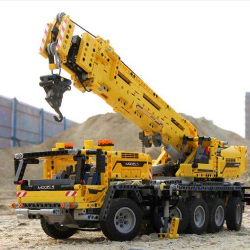 Mould King MOC Technic APP RC Motor Power Mobile Crane Mk II Truck Model Building Blocks 5