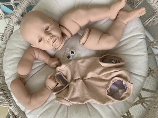Popular face reborn Saskia doll kit very soft real touch fresh color unpainted unfinished doll parts 4 scaled