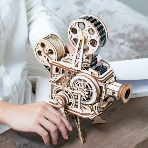 Robotime 183pcs Retro Diy 3D Hand Crank Film Projector Wooden Model Building Kits Assembly Vitascope Toy 1