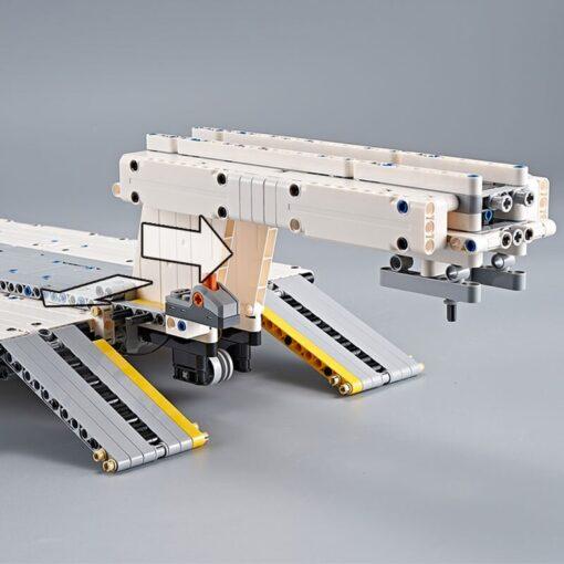 Yeshin X Tech Car Model The Crane Lorry Technic Car Toys Building Blocks Bricks Assembly Kits 2