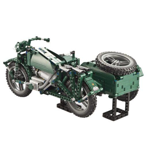 kids Electric motorcycle CaDA 629pcs Building Blocks Anti Slip Wheels Kit Remote Control Child Motorbike Toy 1